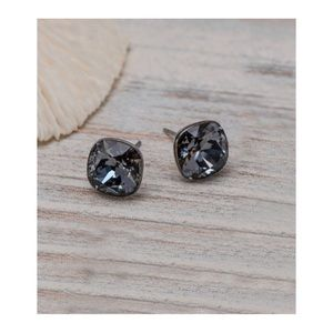 Callura • Cushion-Cut Stud Earrings w/ Swarovski